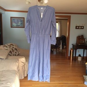Old Navy jumpsuit. (New with tags)